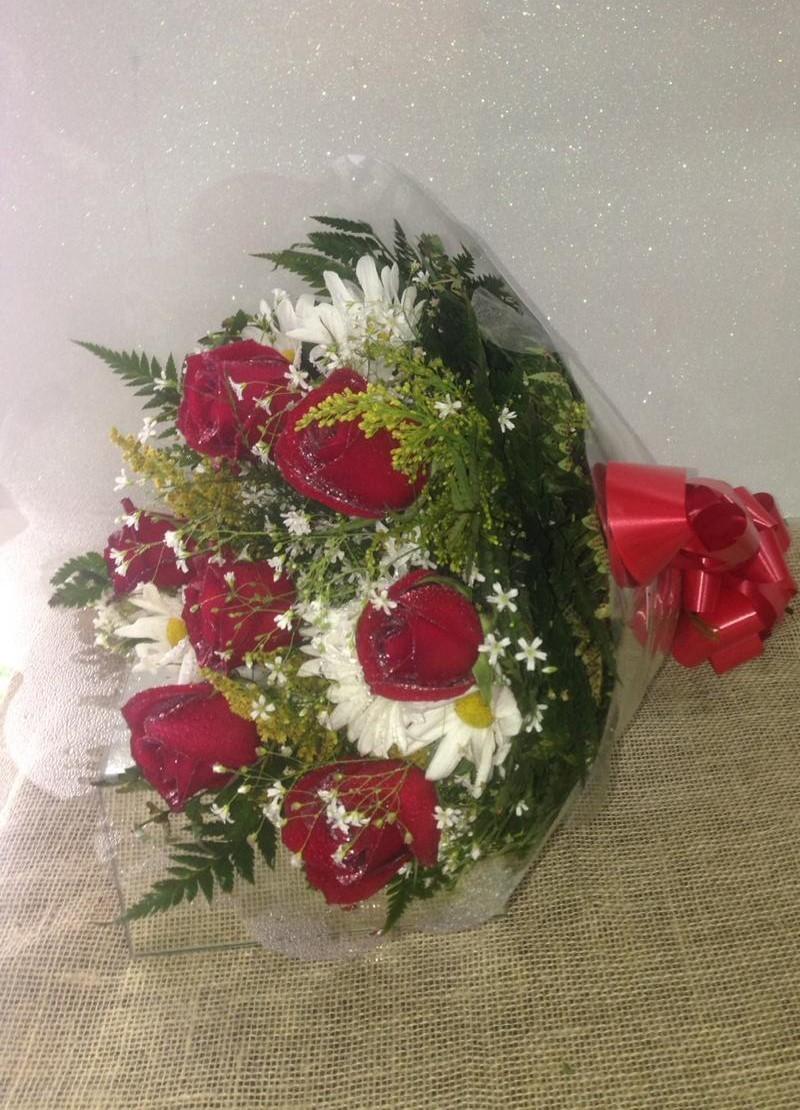 Foto 1 - Buquê 06 Rosas Nacionais